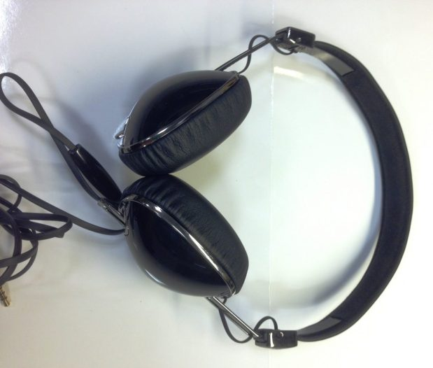 Skullcandy Navigator Headphones - G Style Magazine - Analie - With Cable