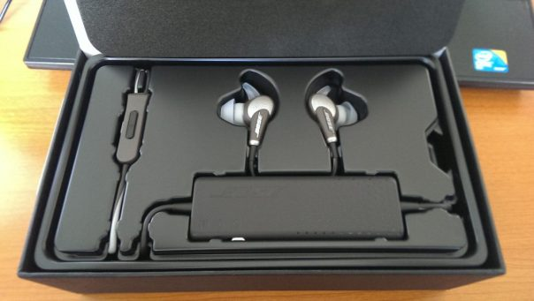Bose QuietComfort® 20i Acoustic Noise Cancelling® headphones full earbuds