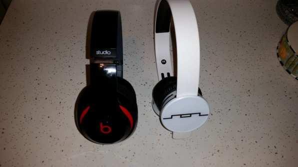 Beats Studio Wireless Vs. SOL REPUBLIC Tracks AIR (7)