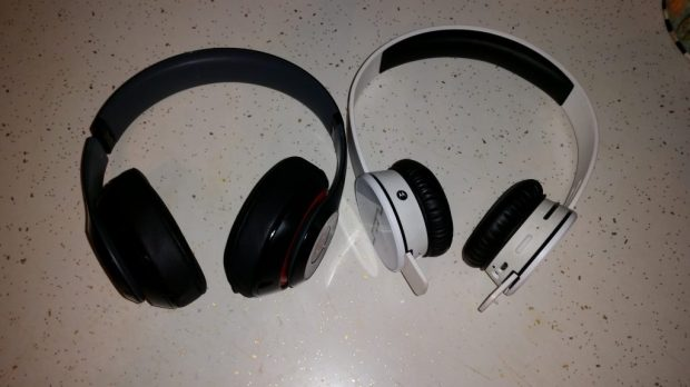 Beats Studio Wireless Vs. SOL REPUBLIC Tracks AIR (8)