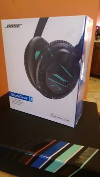 Bose SoundTrue Over Ear Headphones [Review] - Packaging 1