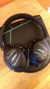 Bose SoundTrue Over Ear Headphones [Review] - Case