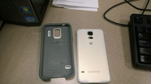 Samsung Galaxy S5 -Otterbox Symmetry Case (2)