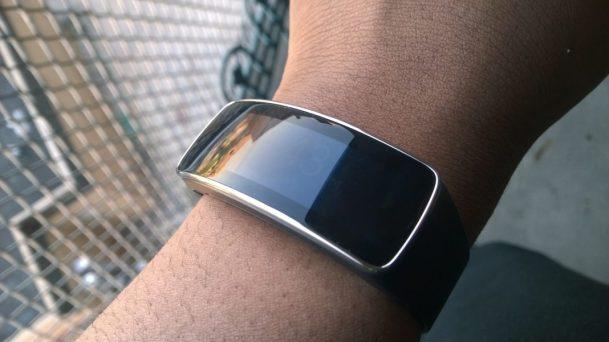 Samsung Gear Fit (3)
