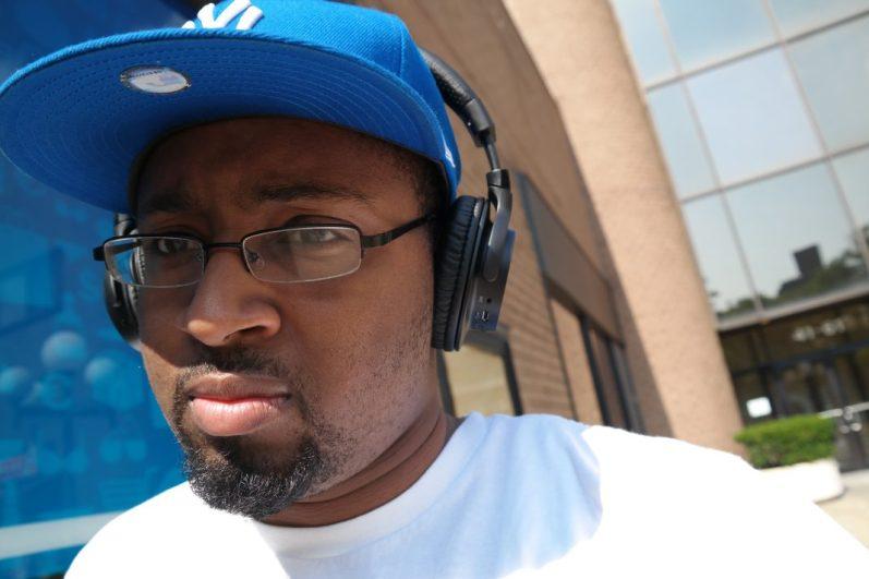 Sony MDRZX750BN wireless headphones on ear 3