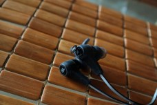 JBL-Synchros-Reflect-BT-Headphones-9