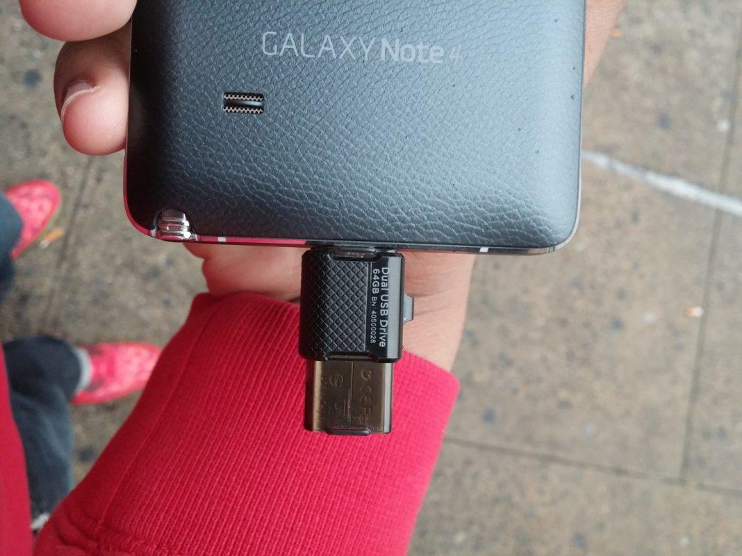 Sandisk Ultra Dual USB Drive (3)