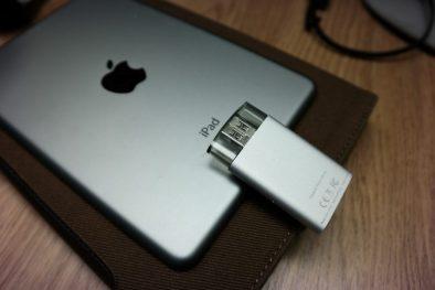 SanDisk iXpand Flash Drive Back