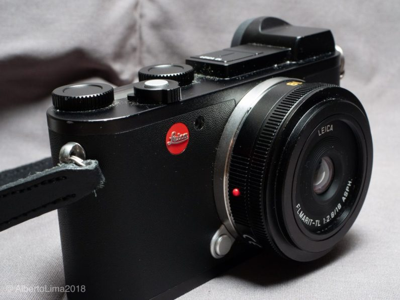 Leica-CL-Side-View