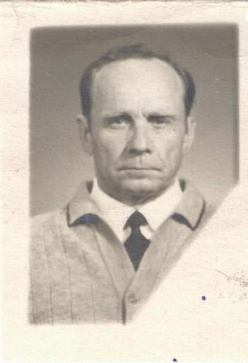Личное дело Бараулина А.А.: фотография послевоенных лет. ЦГА ПМР. Ф. 1053. Оп. 1. Д. 1. Л. 1.
