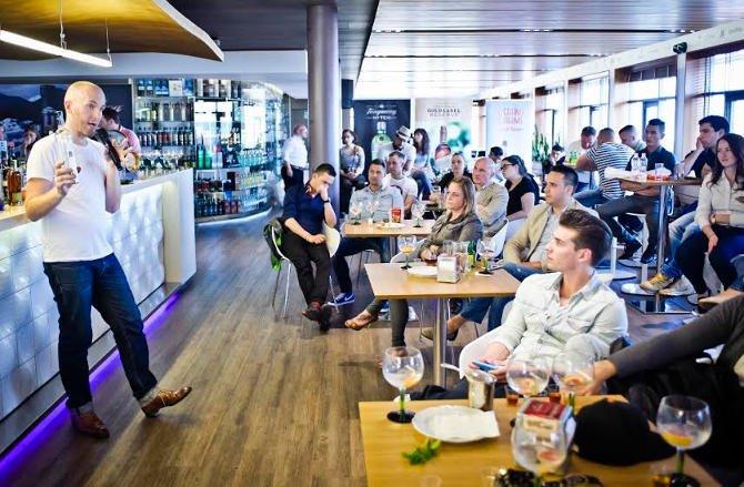 A Diageo világhírű koktélnagykövete bemutatta 2015 legmenőbb koktéltrendjeit