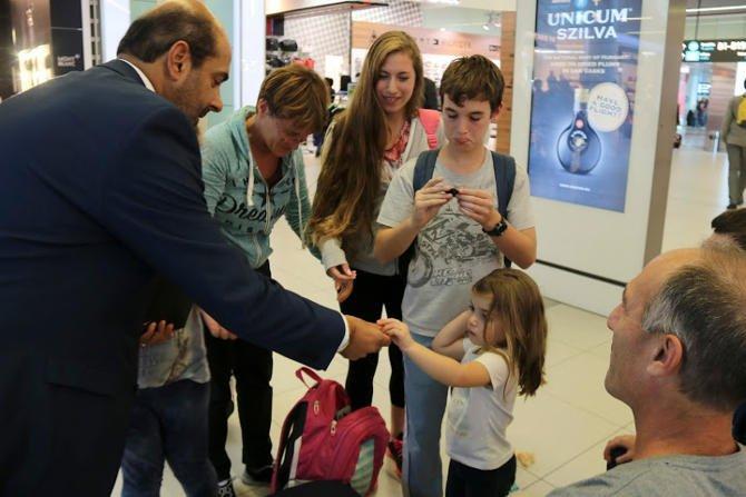 Csoki és zongorakoncert a Turizmus Világnapján a repülőtéren