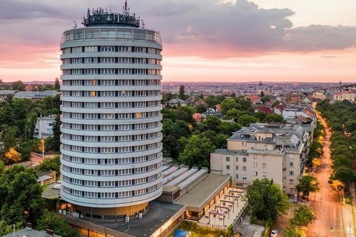 Hotel Budapest, Körszálló