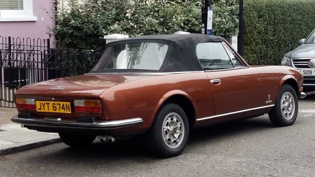 Peugeot 504 convertible - rearview