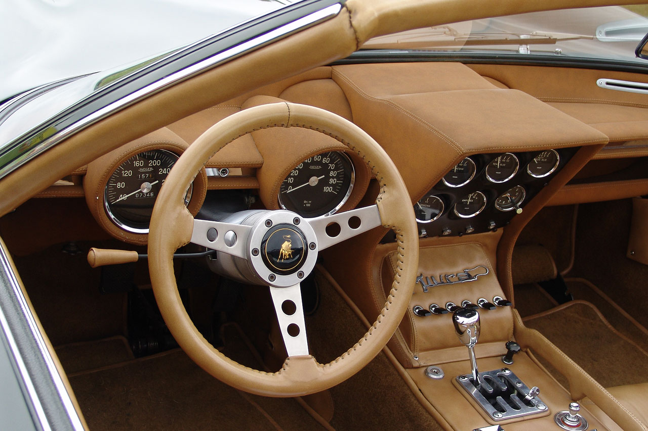 Lamborghini Miura Roadster The Story Of The Mythical Bull Great Cars