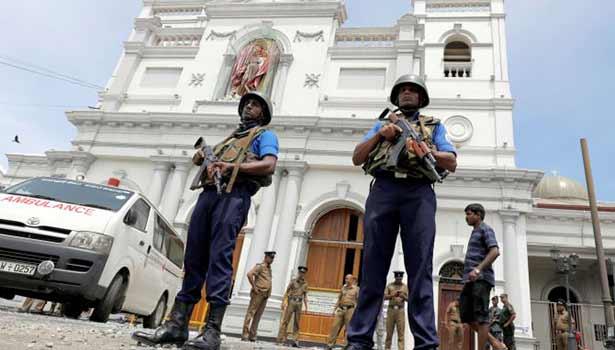 கொழும்பு குண்டுவெடிப்பில் 3 இந்தியர் உள்பட 215 பேர் பலி