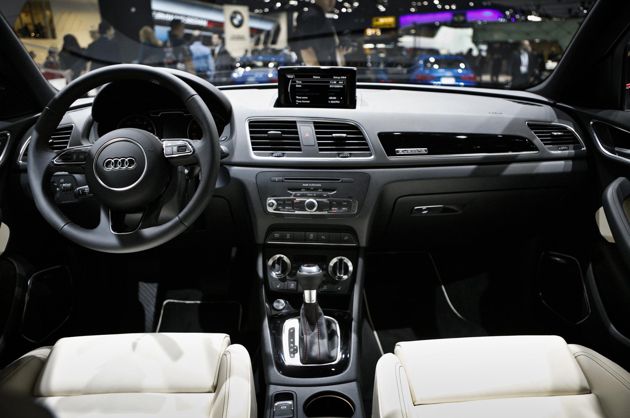 2015 Audi Q3 Dashboard Interior View