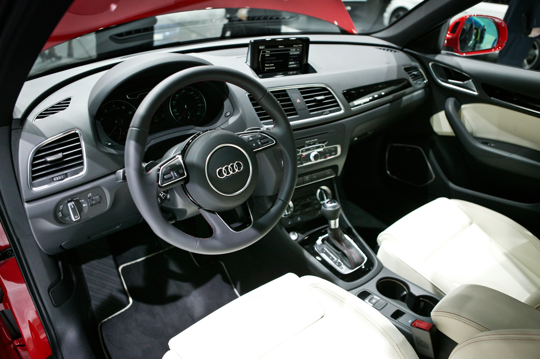 2015 Audi Q3 Dashboard and Cockpit