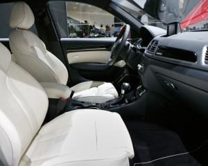 Interior 2015 Audi Q3 Front Seats