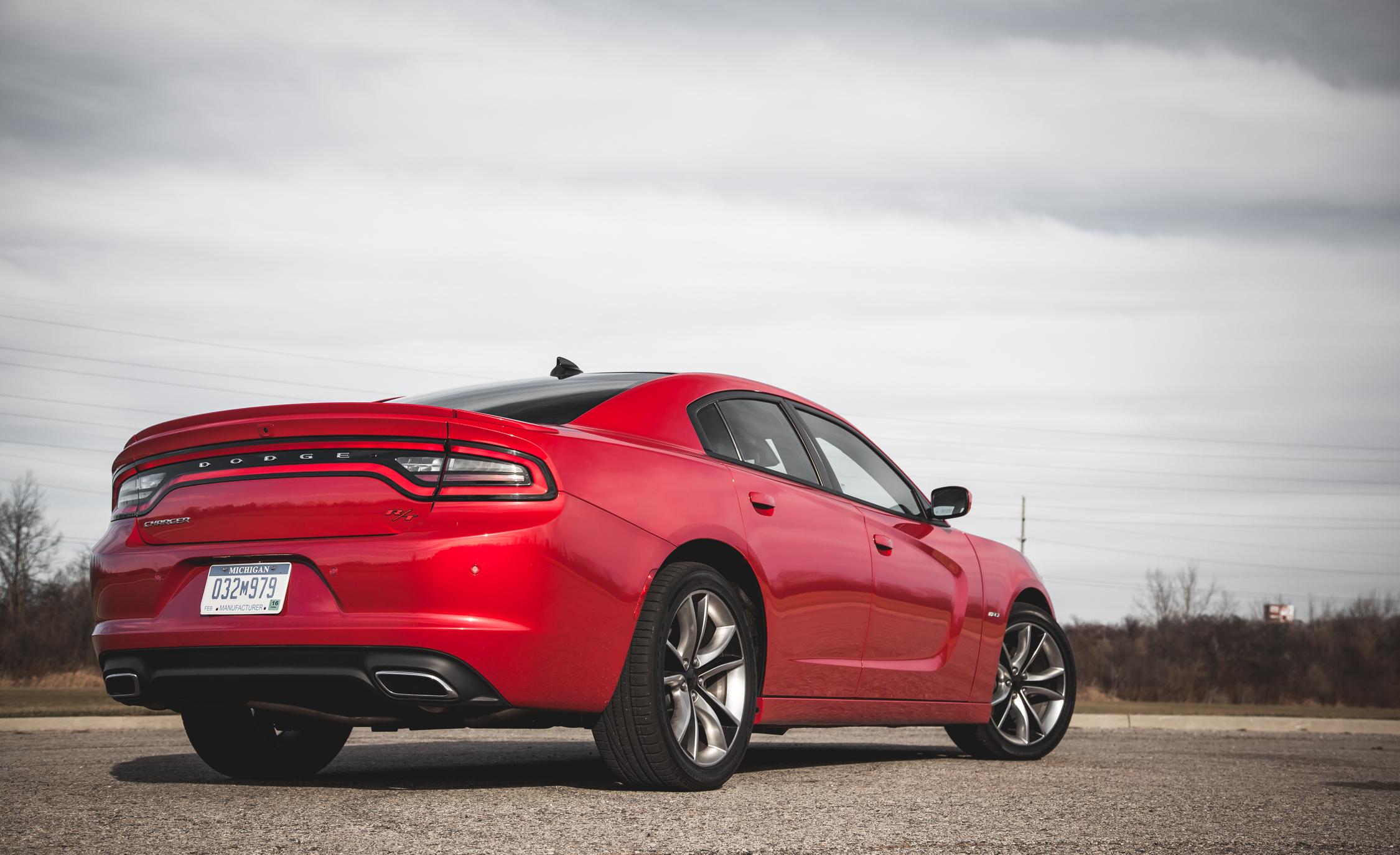 2015 Dodge Charger R/T Exterior Rear and Side View
