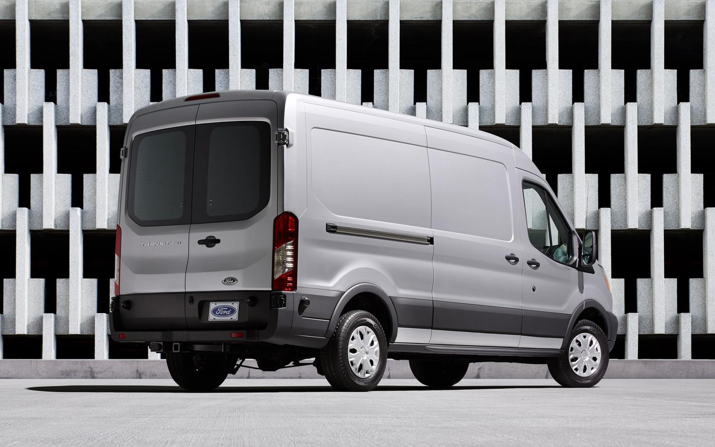 2015 Ford Transit 150 Wagon White Rear Side Design