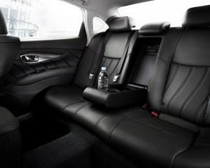 2015 Infiniti Q70L Rear Seat View