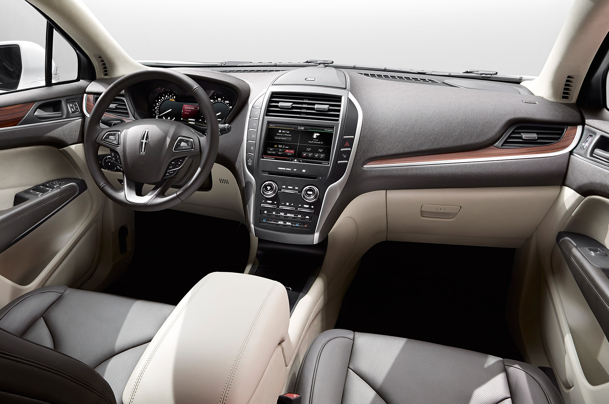 2015 Lincoln MKC Cockpit and Dashboard