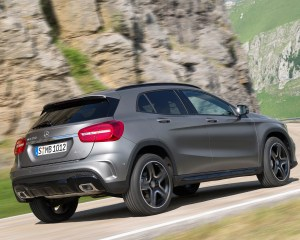 2015 Mercedes-Benz GLA-Class Performance Test