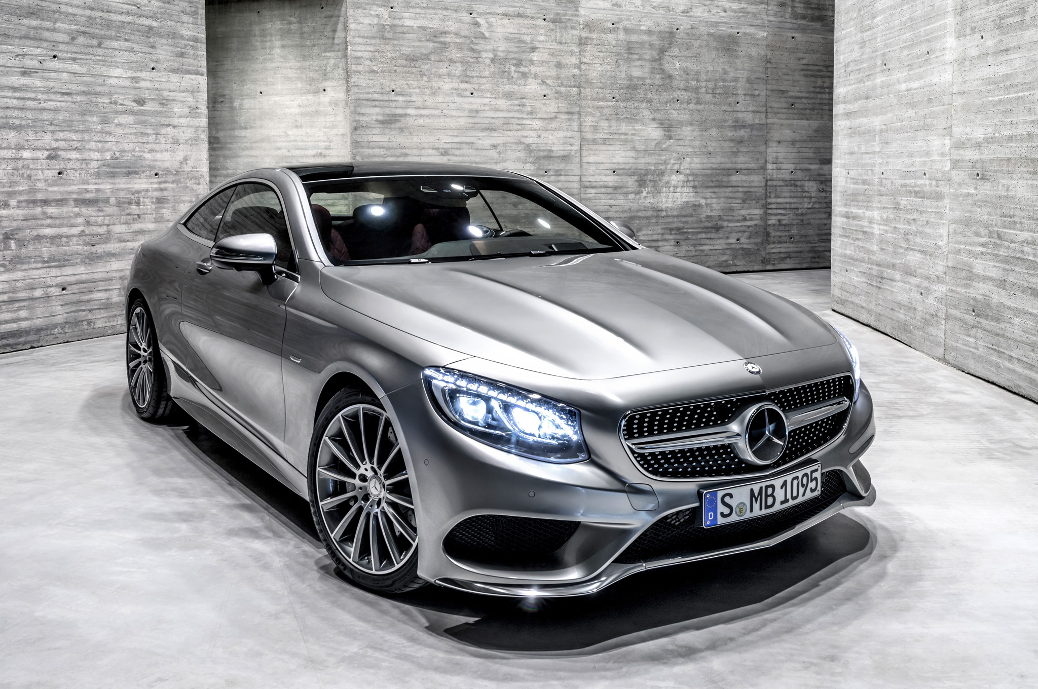 2015 Mercedes-Benz S-Class Coupe Lights On