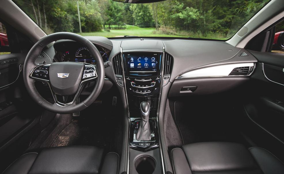 2015 Cadillac ATS Coupe Dashboard and Cockpit Photo