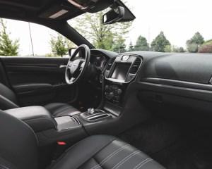 2015 Chrysler 300 Dashboard Interior