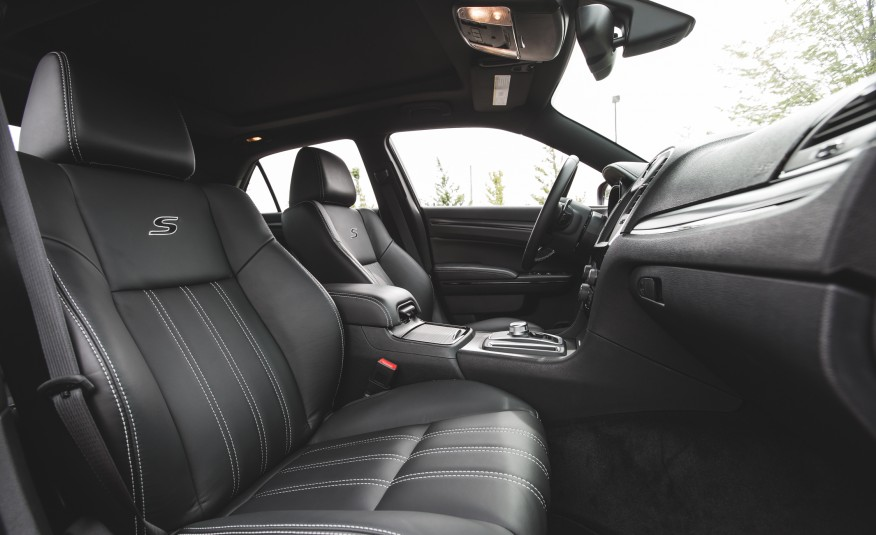 2015 Chrysler 300 Front Seats Interior Preview