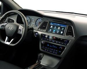 2015 Hyundai Sonata Dash and Head Unit