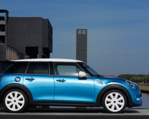 2015 Mini Cooper 5-Door Side Image
