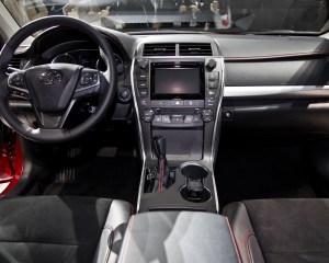 2015 Toyota Camry Front Interior Dashboard and Cockpit