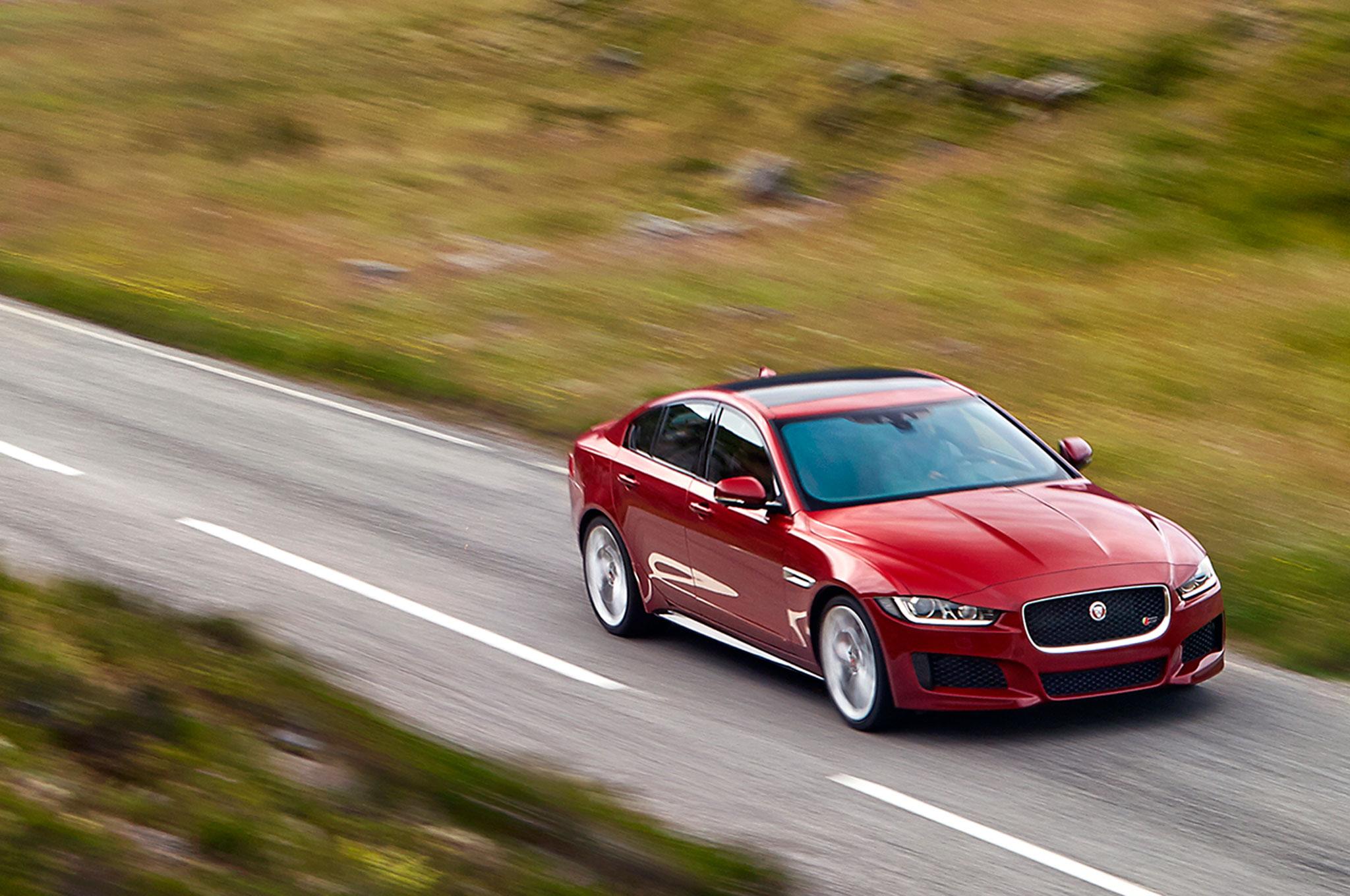 2016 Jaguar XE Performance