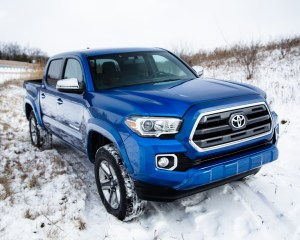 2016 Toyota Tacoma Front Side