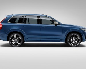 2016 Volvo Xc90 R-Design Right Side View