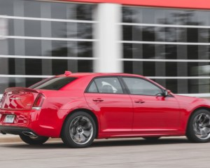 New 2015 Chrysler 300 Rear Side Photo
