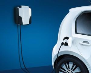 2014 Volkswagen e-Up Charging Photo