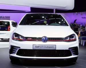 2016 Volkswagen Golf GTI Clubsport Front End Photo