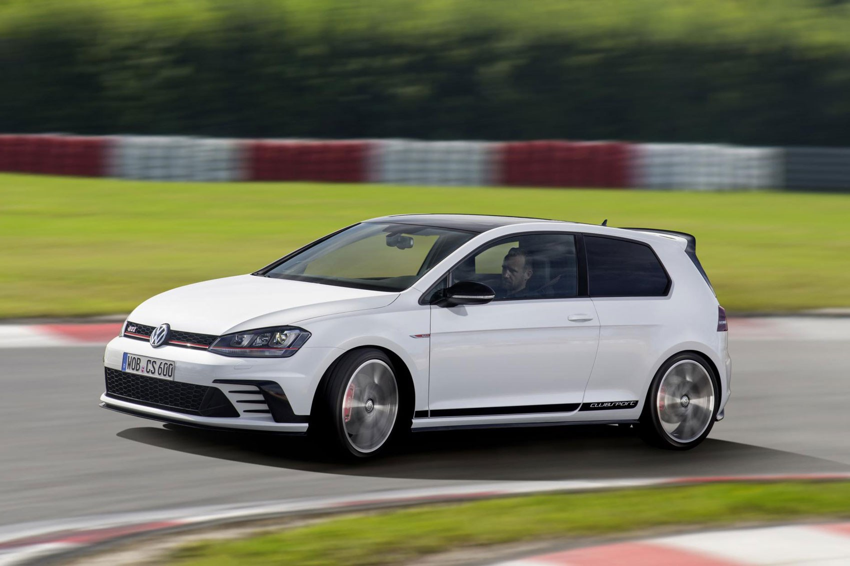 2016 Volkswagen Golf GTI Clubsport Performance Test