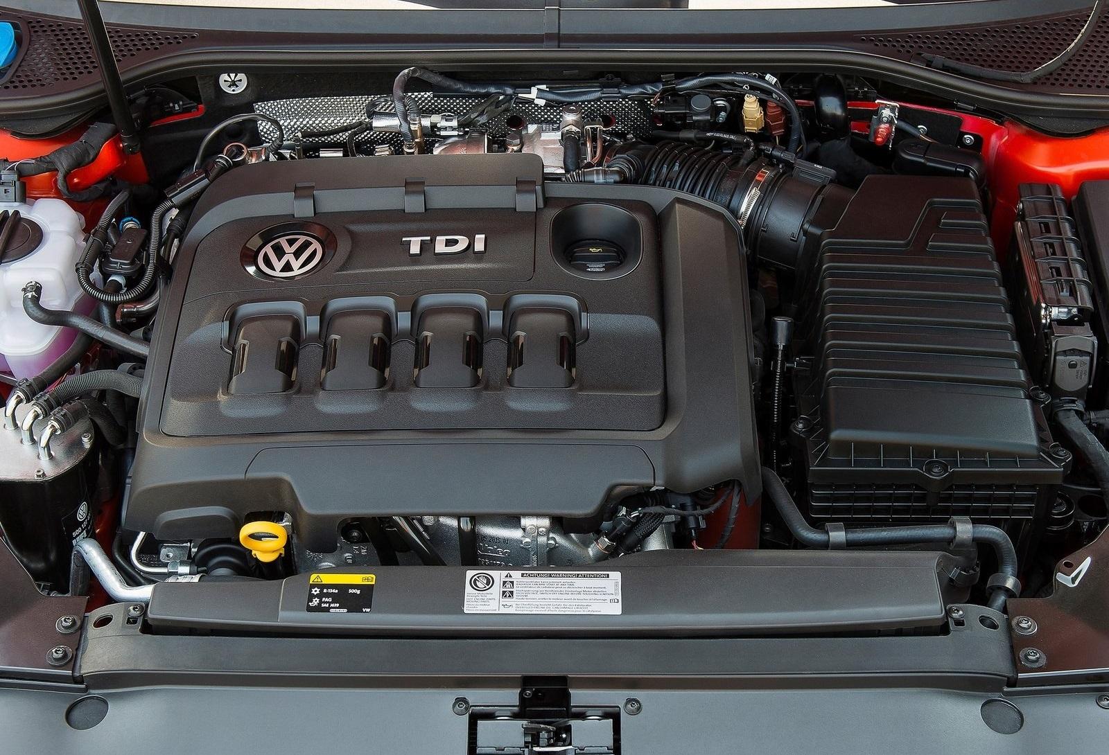 2016 Volkswagen Passat Alltrack Engine View