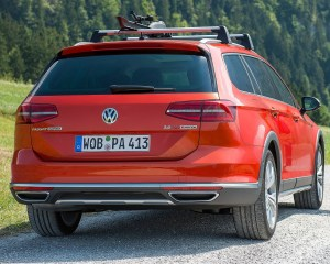 2016 Volkswagen Passat Alltrack Rear Exterior