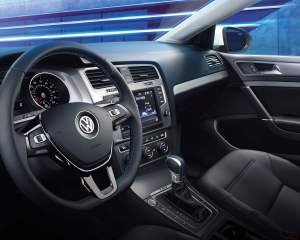 2016 Volkswagen e-Golf Cockpit Interior