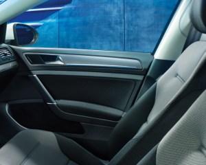 2016 Volkswagen e-Golf Front Seats