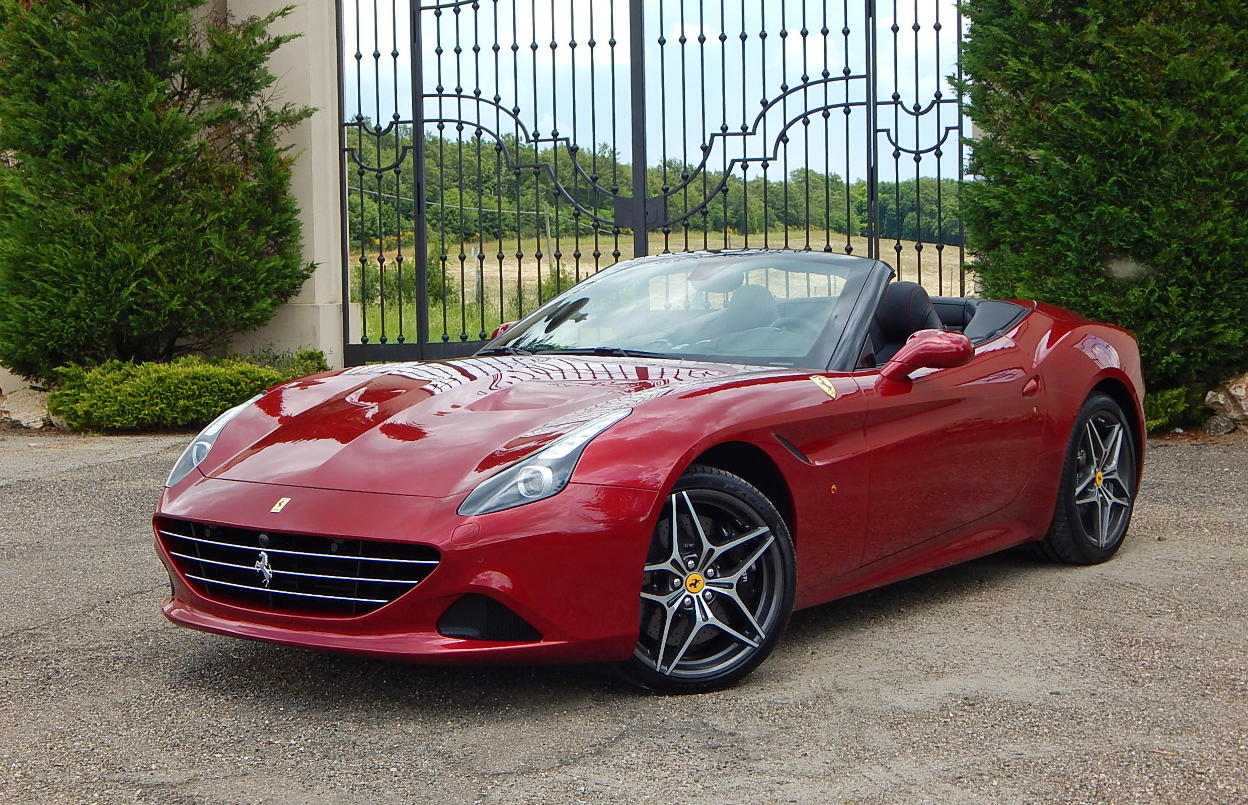 New 2015 Ferrari California T