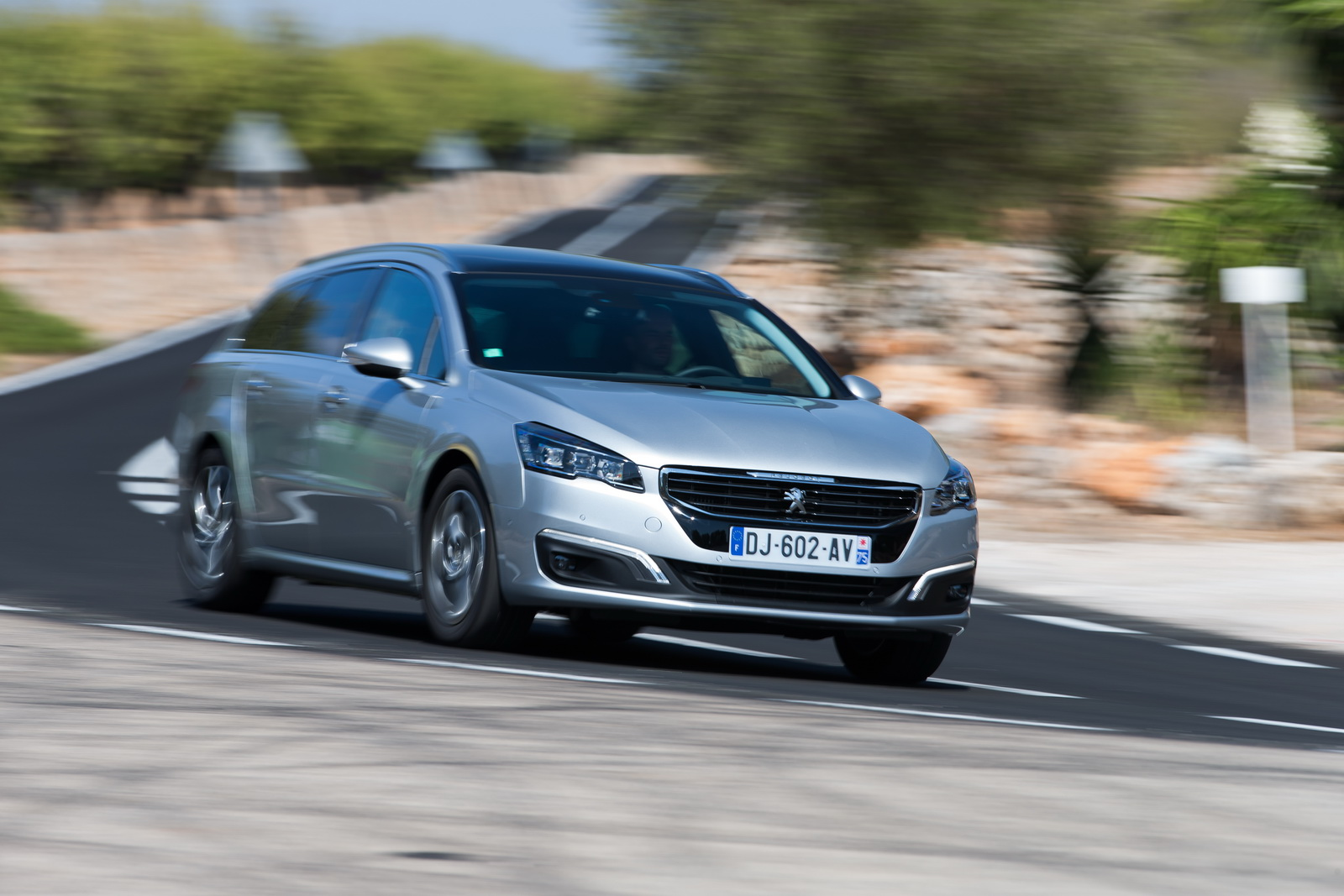 Performance Review: Peugeot 508 SW Facelift 2015