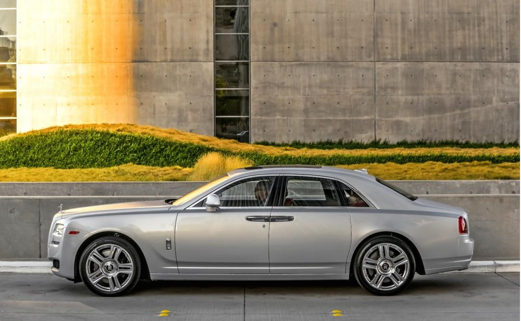 Side Profile: 2015 Rolls-Royce Ghost Series II