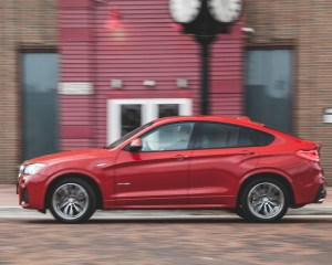 2015 BMW X4 xDrive28i Test Side View Left